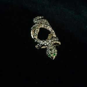 Jewelry - Snake knuckle ring